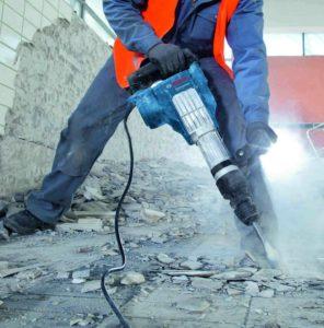 utilizzo-martello-demolitore-bosch-gsh-11-vc-professional_2_full